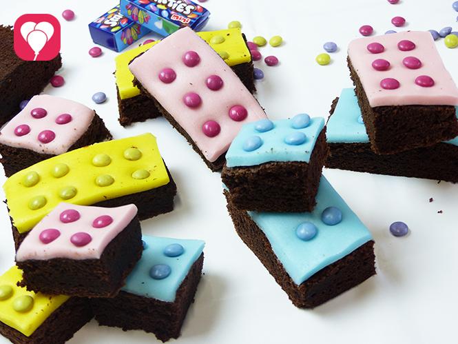 Lego Kuchen mit Brownies Fondant und Smarties