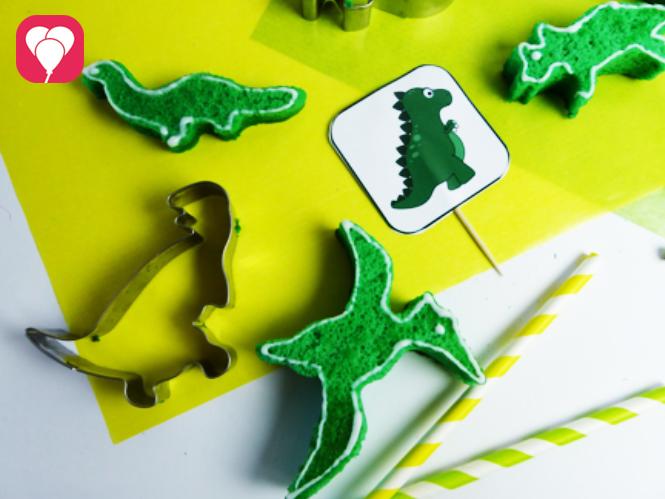 Schnelle Mini Dino Kuchen aus Biskuit Teig