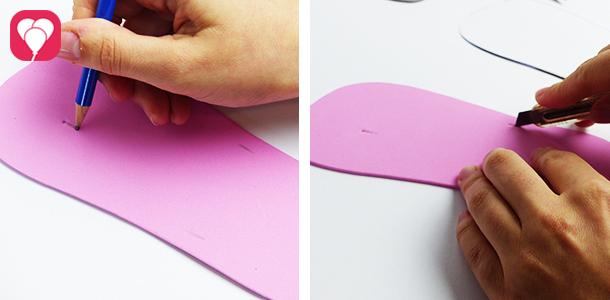 Flip Flops selber machen - Löcher für Riemen in Sohlen schneiden