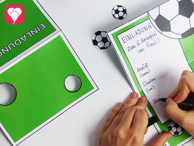Fußball Einladungskarte beschriften