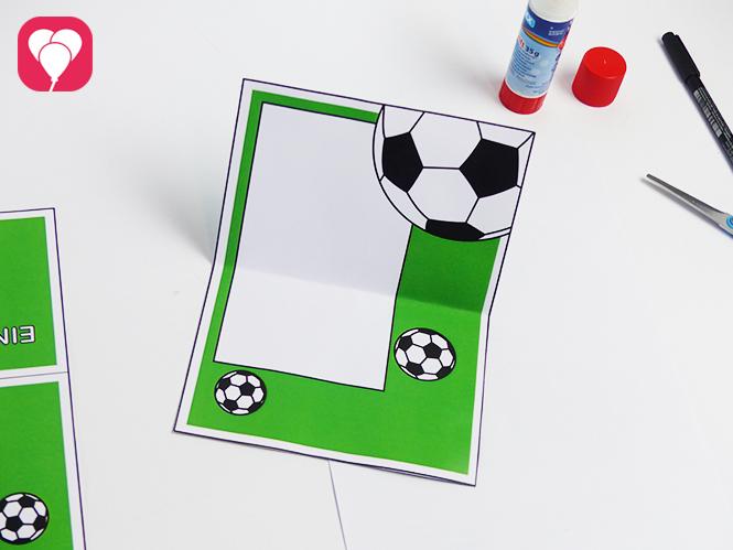 Fußball Einladungskarte mit Torwand - Klappkarte falten