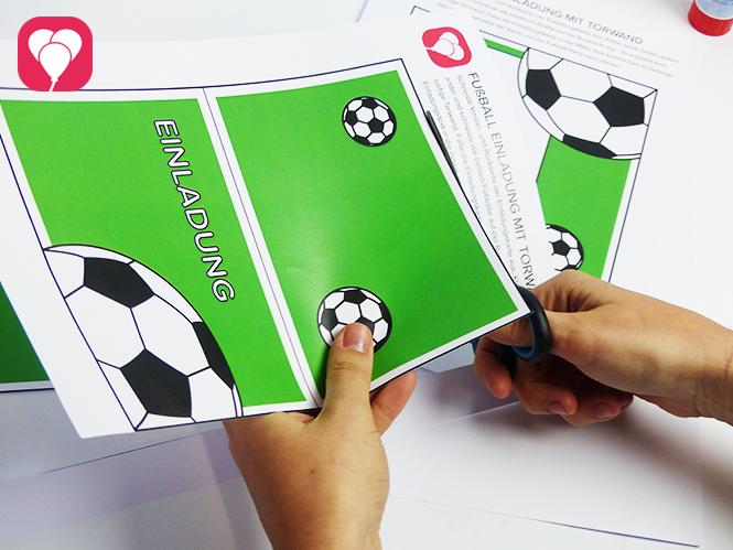 Fußball Einladungskarte mit Torwand - Vorlage ausschneiden