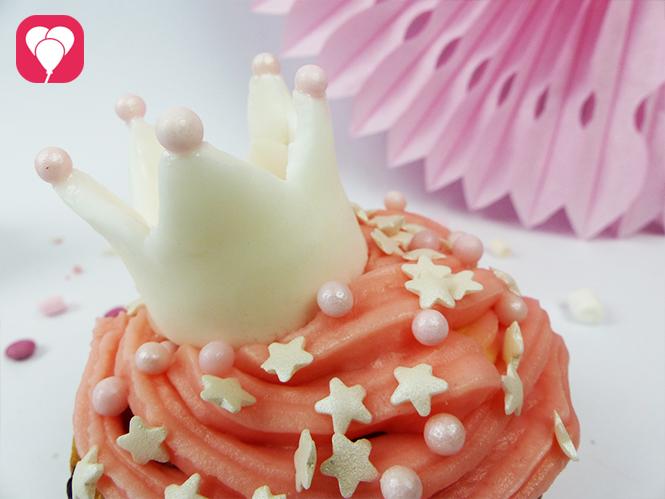 Prinzessinnen Cupcakes - Schritt 6: Krone aufsetzen