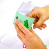 Dino Geschenkbox trocknen lassen