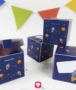 Weltraum Geschenkbox als einfache Faltvorlage