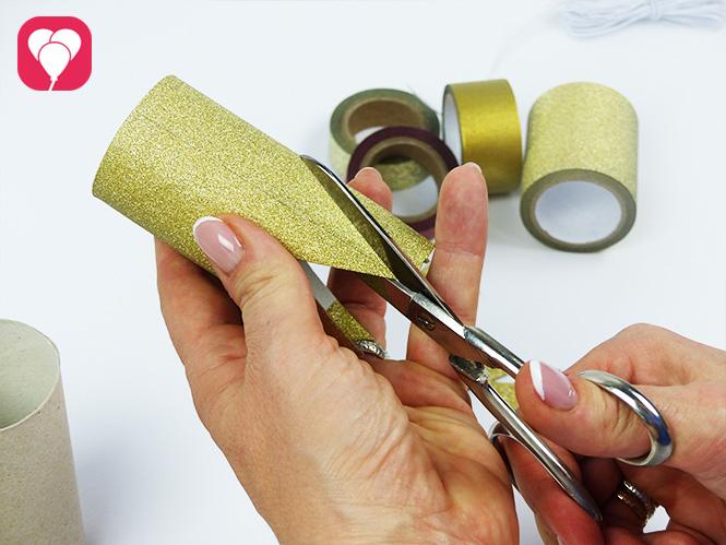 DIY Krone basteln - Zacken ausschneiden