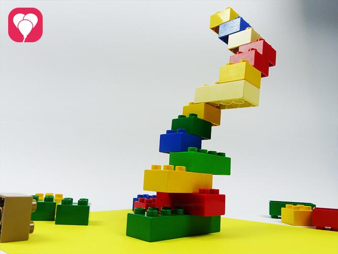 Lego Spiele für Drinnen - Geschicklicheitsspiel mit Legosteinen