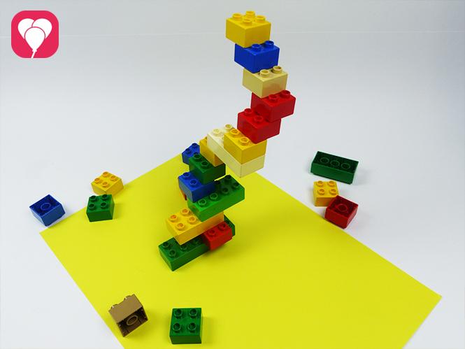 Lego Spiele für Drinnen - Wackel, wackel (Lego-)Türmchen