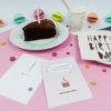 """""""Zeit für Kuchen"""" Design Postkarte als Glückwunschkarte (rosa)"""