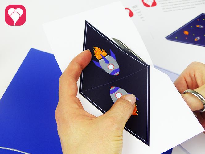 Weltall Girlande - Wimpel mit Weltraum Motiven ausschneiden