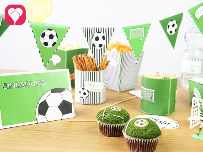 Fussball Motto Tisch - Fussball Snacks Einladung Deko und Co fuer die WM