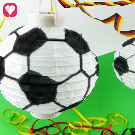 Fußball Deko - Fußball Lampions für die WM