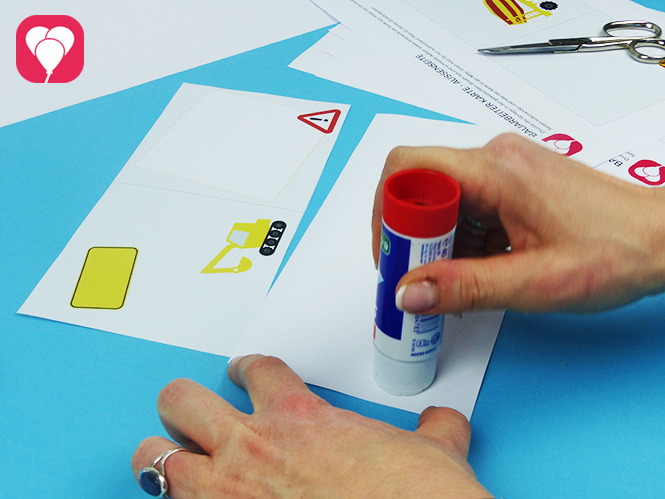 Bauarbeiter Einladungskarte - Vorder- und Rückseite zusammenkleben