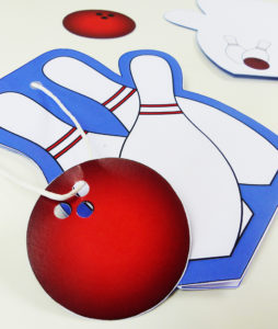 Coole Bowling Karte mit Kugel Anhänger