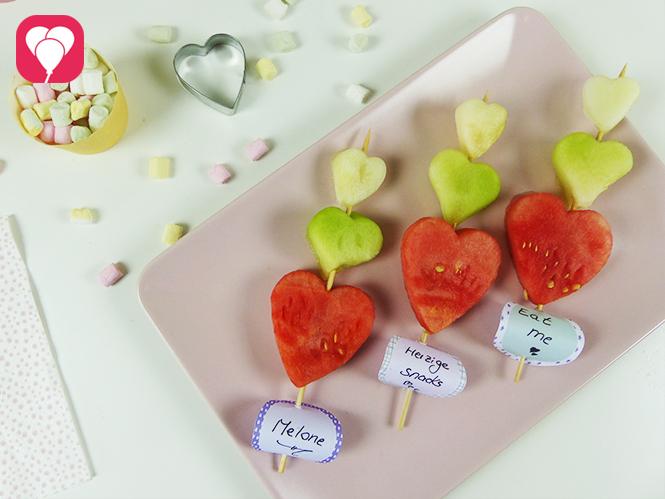 Bunte Sommer Snacks aus Melonen