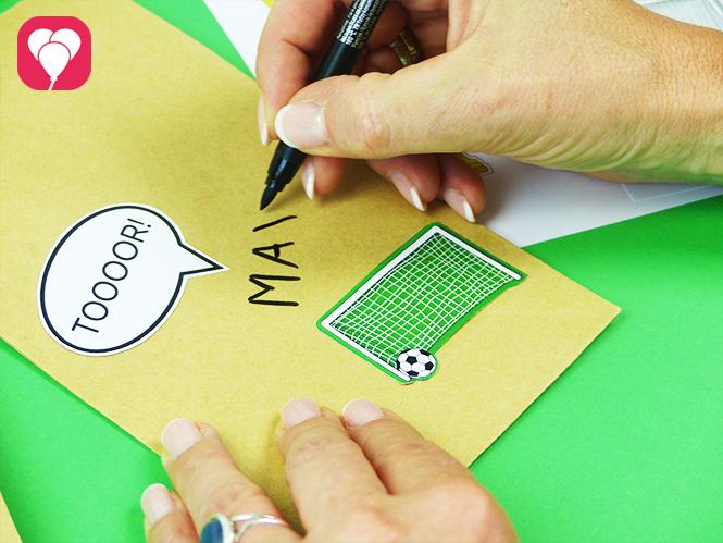 Fussball Geschenktüten mit Namen beschriften