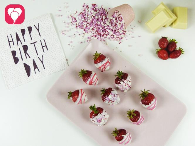 Schoko Erdbeeren verzieren - Aktivitaet auf dem Kindergeburtstag