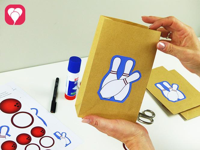Bowling Geschenkanhänger - Give Away Tüte befüllen
