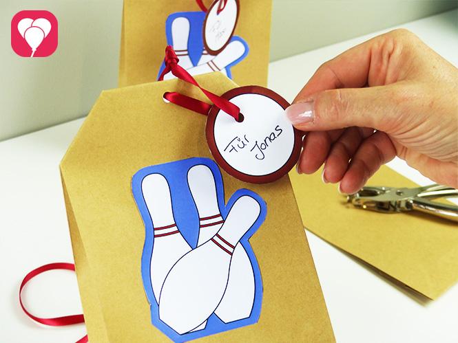Bowling Geschenkanhänger zum Beschriften der Geschenktüten