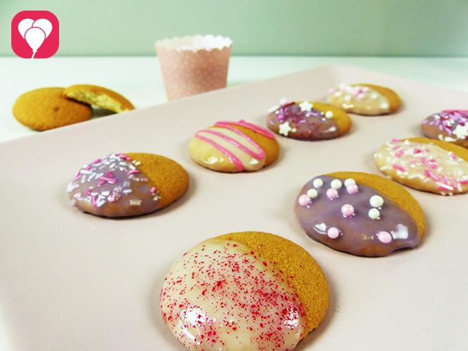Prinzessinnen Kekse verzieren mit Perlen Streuseln Zuckerschrift und Co