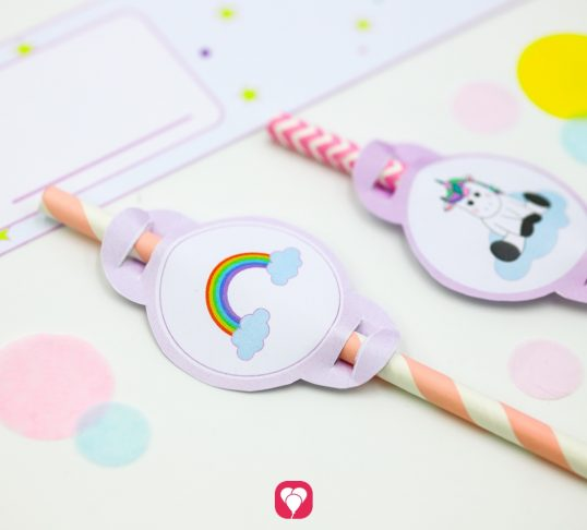 unicorn placecards and straws for crafting