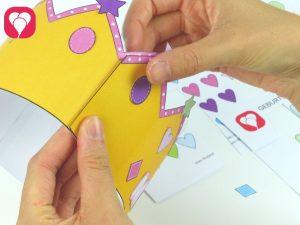 Schritt 4 Krone zusammenkleben - Geburtstagskrone basteln
