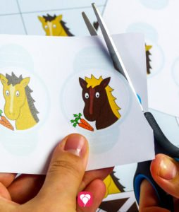Horse Place Cards and Straws - cut out straw decor