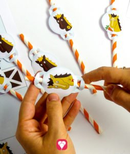 Horse Place Cards and Straws - straw decor