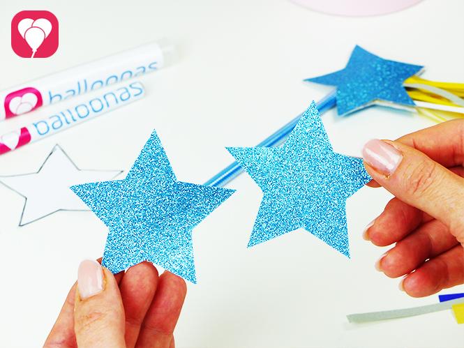 Motive für den Zauberstab Stift auf Glitzer Papier vorbereiten
