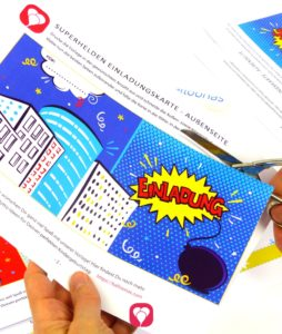 Superhelden Einladungskarte Schritt 1 - ausschneiden