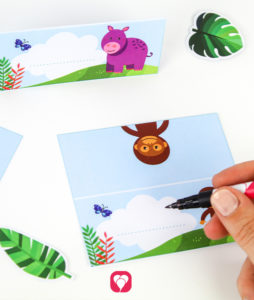 Safari Place Cards and Straws - label the card
