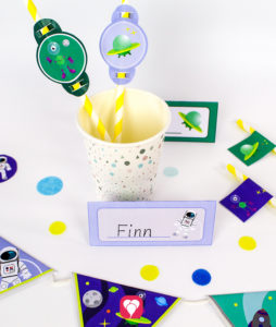 Space Place Cards and Straw Decoration - balloonas
