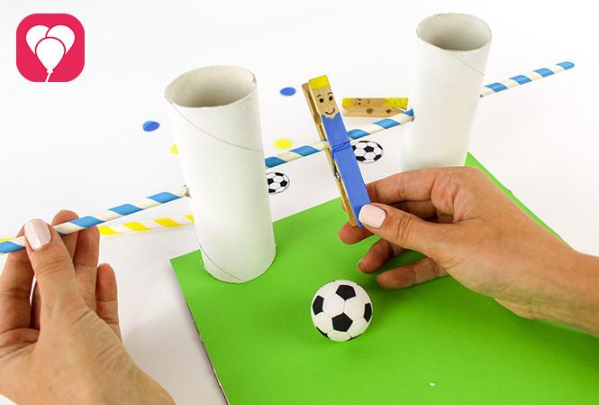 DIY Kicker Spiel - Tor mit Torwart