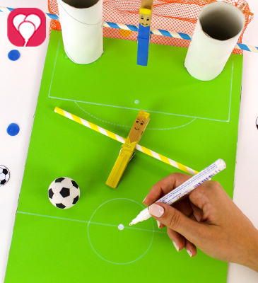 DIY Kicker Spiel - balloonas