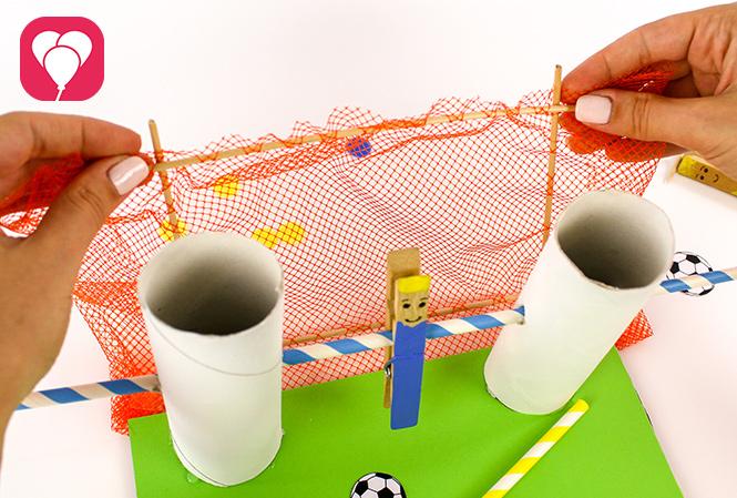 DIY Kicker Spiel - Tor aufstellen