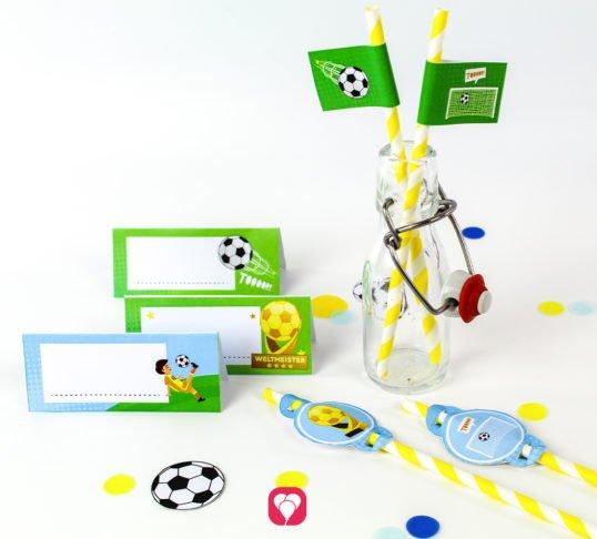 Fußball Tischkarten und Strohhalm Deko - balloonas
