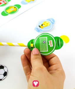 Soccer Place Cards and Straw Decor - put straw through flaps
