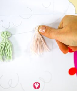 Pinn das Lama Spiel - DIY Tassels an Lama pinnen