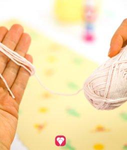 Pinn das Lama Spiel - DIY Tassels mit Schnur befestigen