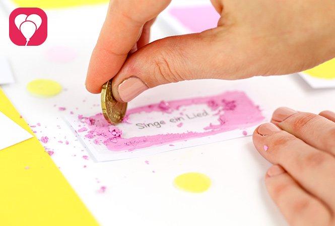 Basteln mit Kindern - Rubbellose machen
