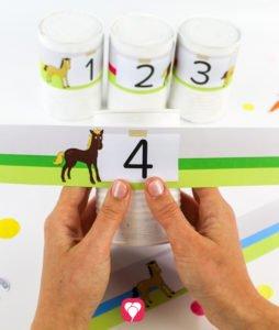 Pferde Spiel - Dosenwerfen vorbereiten