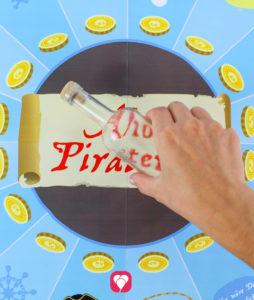 Piraten Flaschendrehen - Flasche in der Mitte platzieren